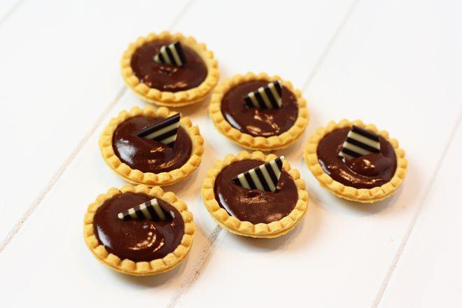 chocolate espresso ganache tart recipe | Pizzazzerie