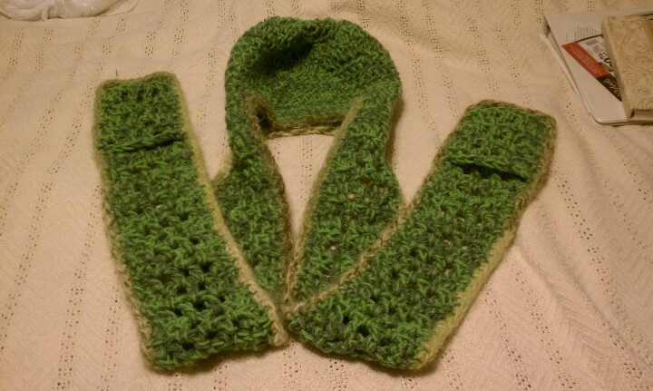 Crochet Pattern Hat Scarf Combo : Pin by cristina on CROCHET Pinterest