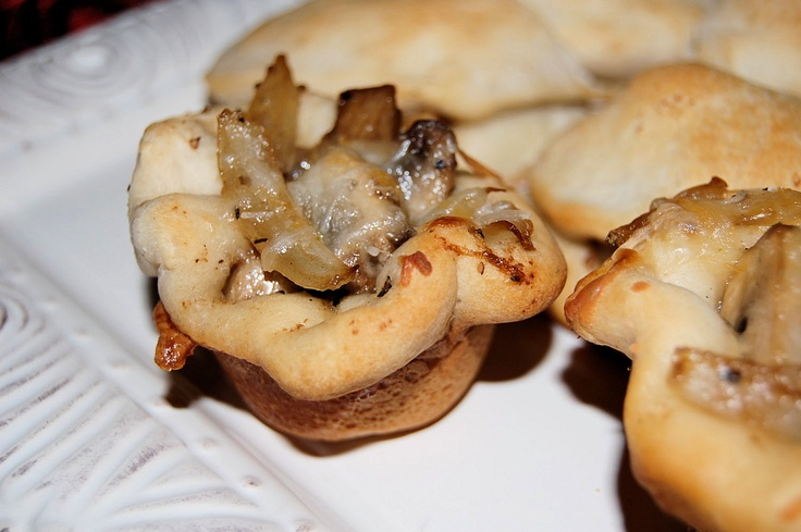 Appetizer Day 1- Caramelized Onion, Mushroom and Smoked Cheddar Tart