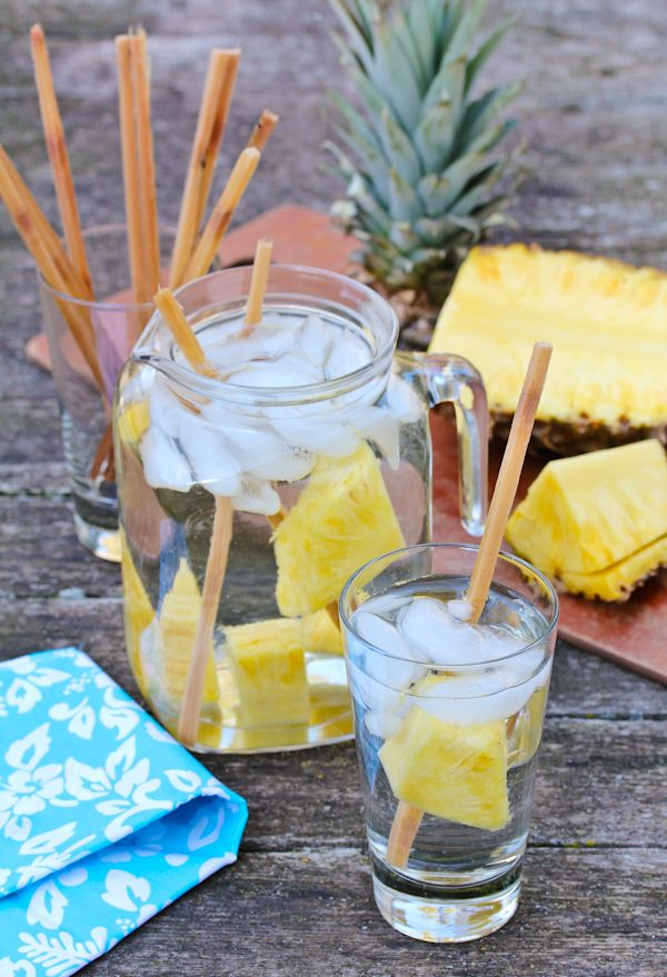 ... Pineapple Sugarcane Water quenches, hydrates, and puts your mind at