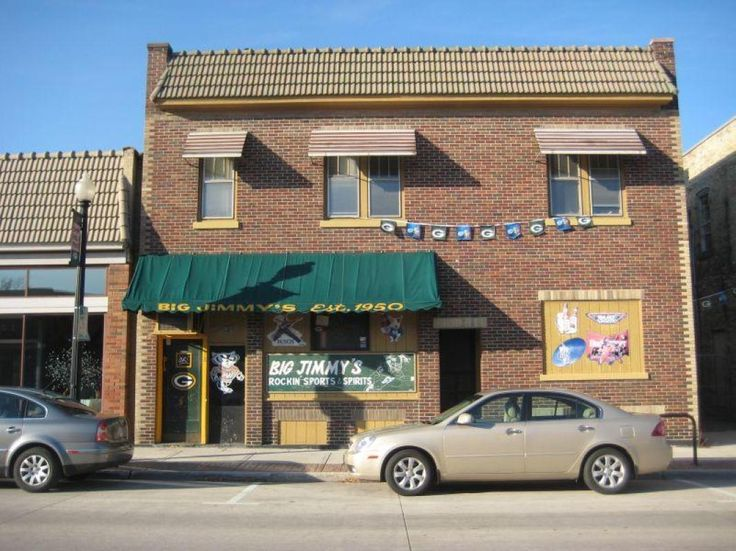 Big jimmy 39 s established bar business in downtown sheboygan for Garage with upstairs living quarters