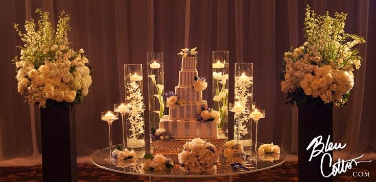 cake table decor luxury wedding decor pinterest. Black Bedroom Furniture Sets. Home Design Ideas