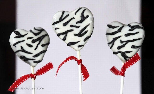 Zebra Stripe Red Velvet Cake Pops - tutorial included