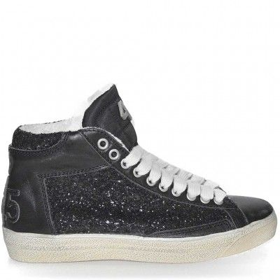 High top trainers made from leather withsequins details, rubber height