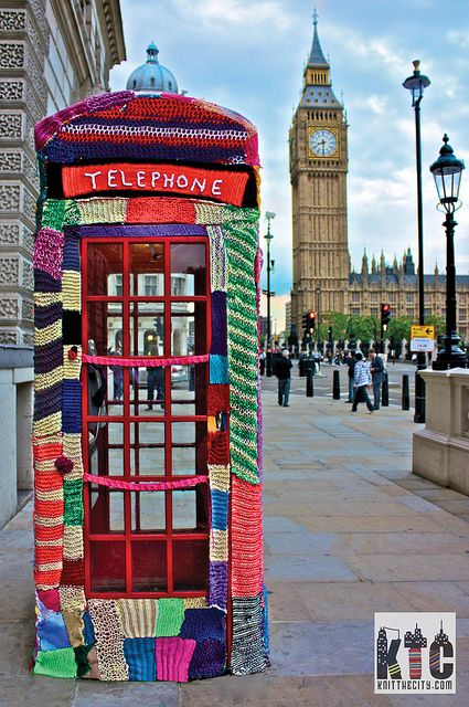 A Phonebox Cosy Tale - Knit the City
