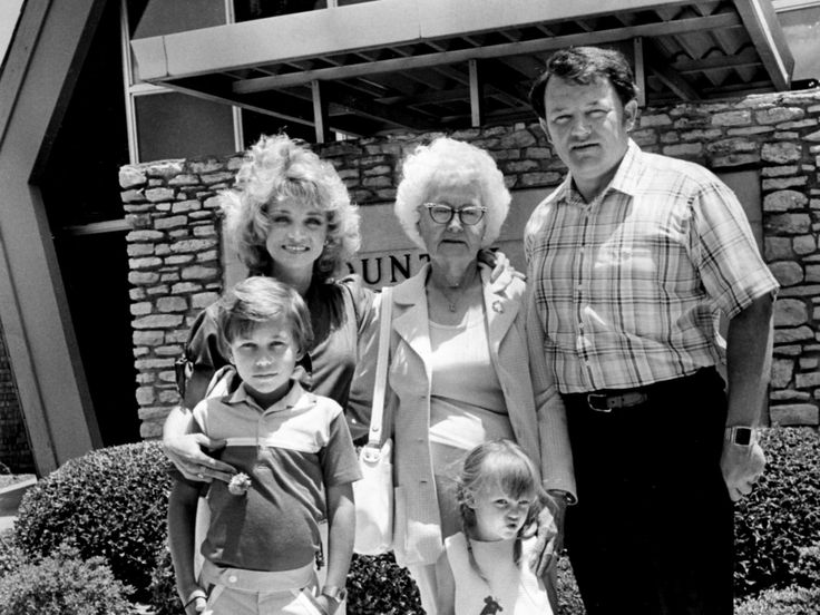 Singer Barbara Mandrell, top left, posed with a small portion of her ...