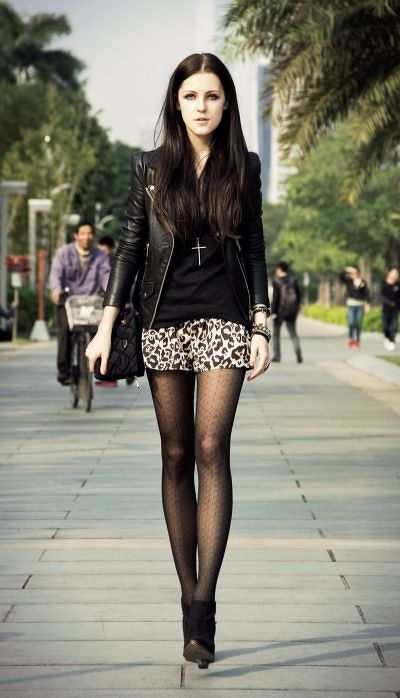 Pretty skirt and stockings | Adorables | Pinterest
