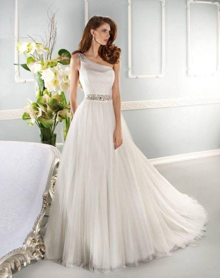 Pinterest for Simply elegant wedding dresses
