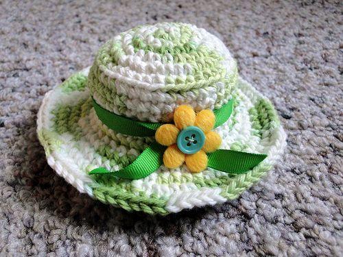 hat pincushion | Pincushion, needlebook etc... | Pinterest