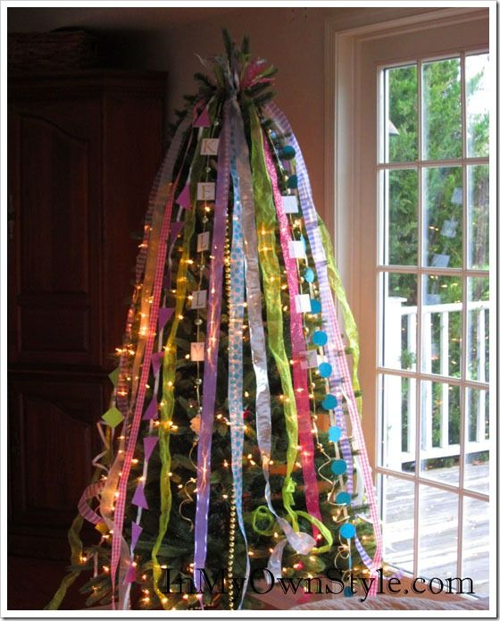 How to decorate a christmas tree with ribbons How do i decorate my christmas tree with ribbon