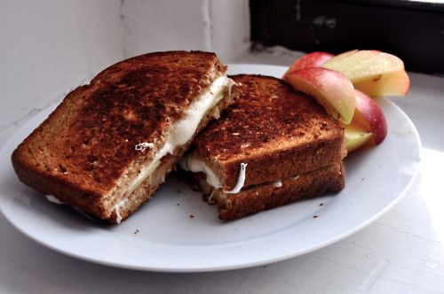Oooo Grilled Mozz and Apple Sammich | Recipes | Pinterest