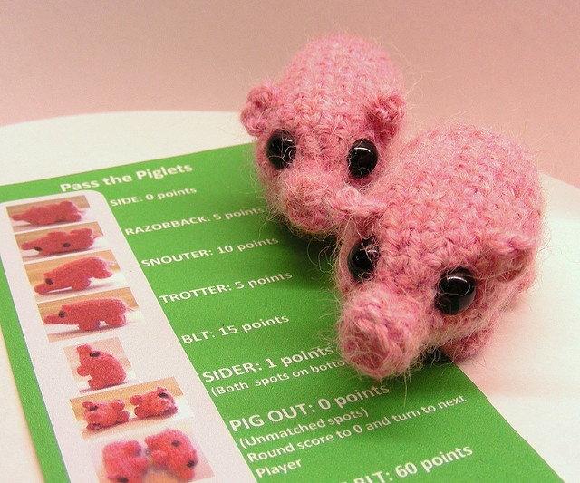 Crocheting Games : tangled happy: free crochet pattern pass the piggy game