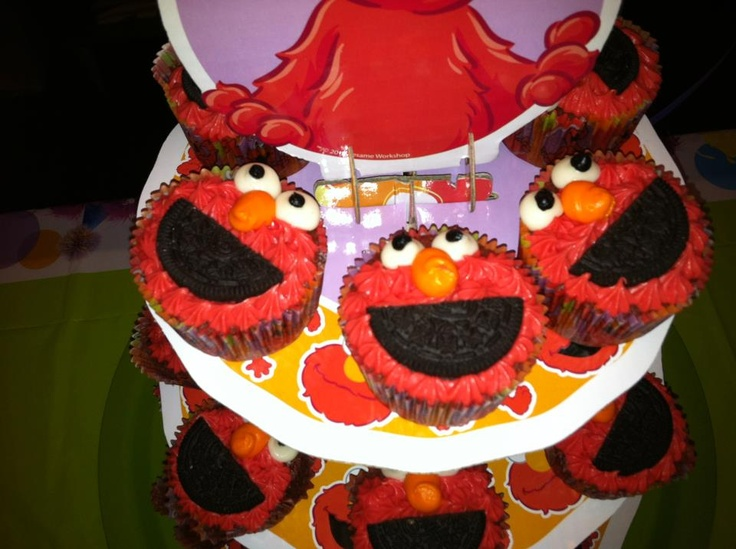 Elmo Cupcakes - red velvet. | Birthday Party Fun | Pinterest