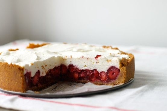 Fresh strawberry cream pie | We must have a pie. Stress cannot exist ...