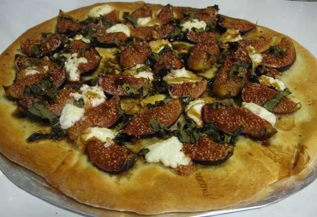 Fig and Goat Cheese Pizza Recipe | Figs | Pinterest