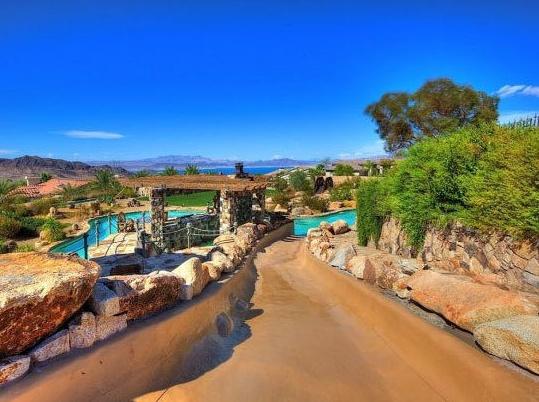 Nevada Mansion Backyard Water Park : Backyard Pool? Psh Try a Backyard Water Park!
