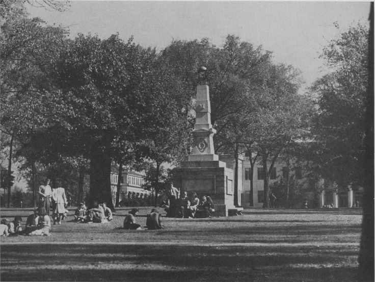 #TBT: Today's #UofSCPhotoADay challenge is black and white. We're throwing it back with a picture of student life on the Horseshoe in 1944. See what people captured in black and white: uofscphotoaday.vscampaign.com