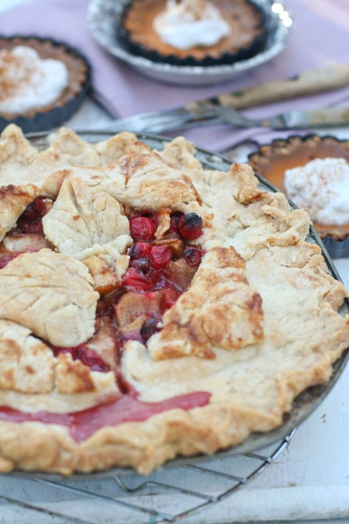 Cranberry Pear Pie - from Baking Chic #Pie, #Pear, #Cranberry