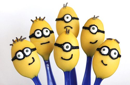 pictures of craft stick crafts of despicable me | Despicable Me Minion Party Desserts