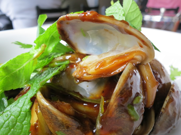 Clams with rice cakes, chinese sausage and bbq sauce.