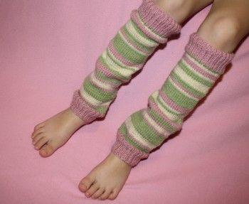 Free pattern. Knitting Pattern for Little Girl Leggings