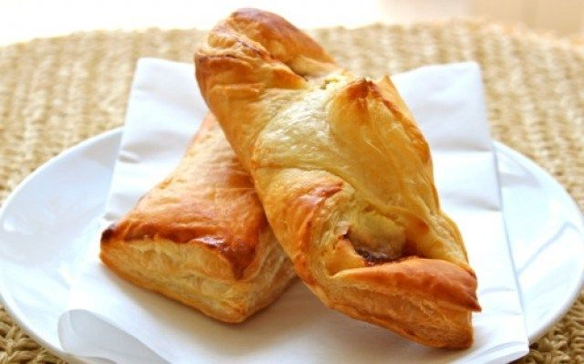 Guava And Cream Cheese Pastelitos Recipe — Dishmaps