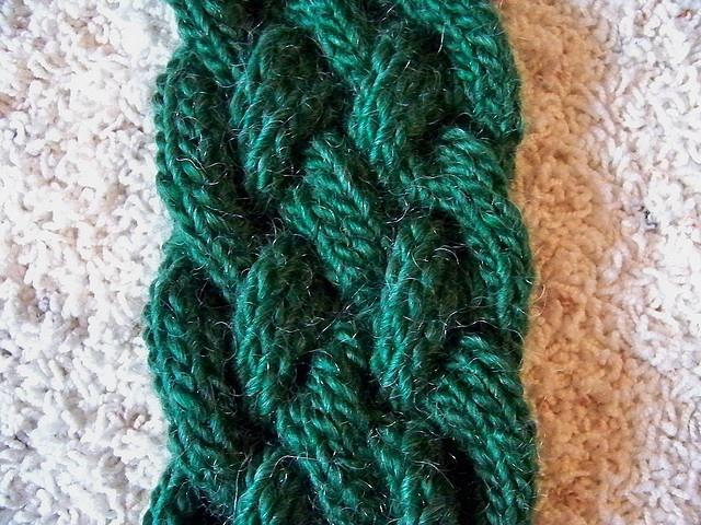 Braided scarf. Hooks and needles Pinterest