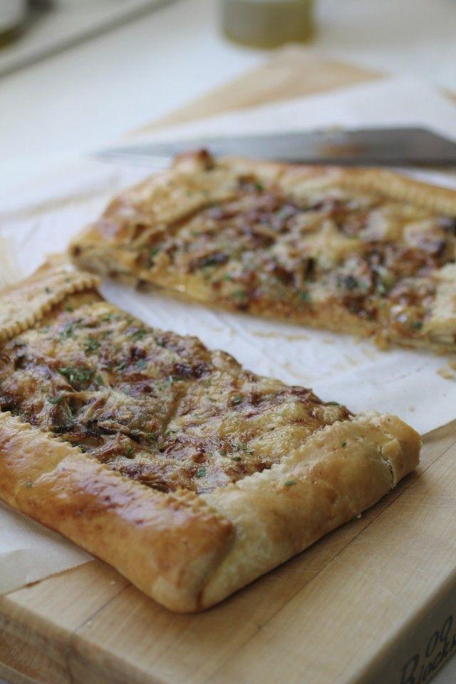 Caramelized Onion and Mushroom Tart | Oishii | Pinterest