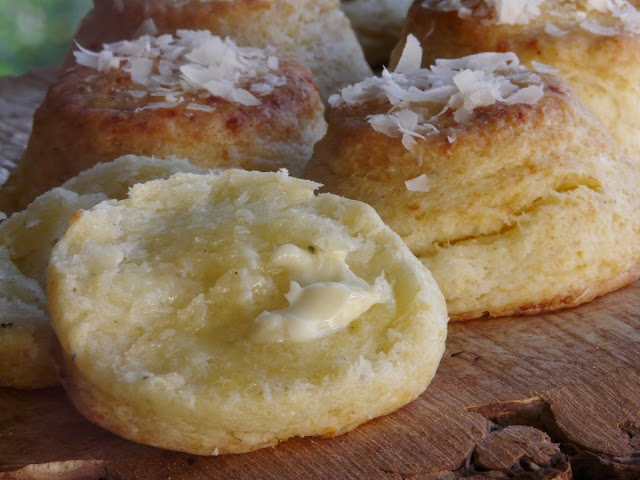 parmesan and black pepper biscuits | food & drinks | Pinterest