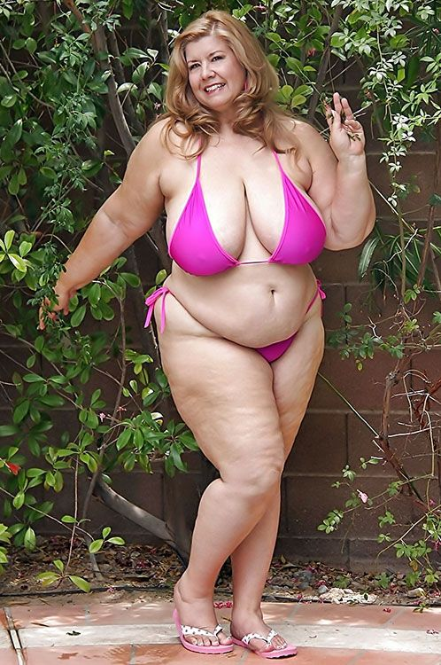 Bbw Milf In Lovely Pink Bikini Xxxcurvesgalore Com Swimwear With Curves And Bounce
