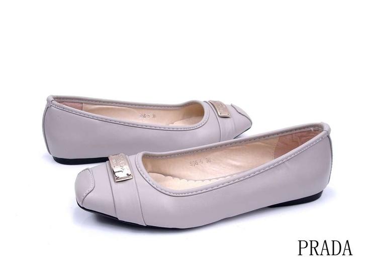 women prada sandals on sale y01 shoes pinterest. Black Bedroom Furniture Sets. Home Design Ideas