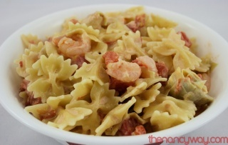 Pasta with Shrimp, Artichokes, and Tomatoes