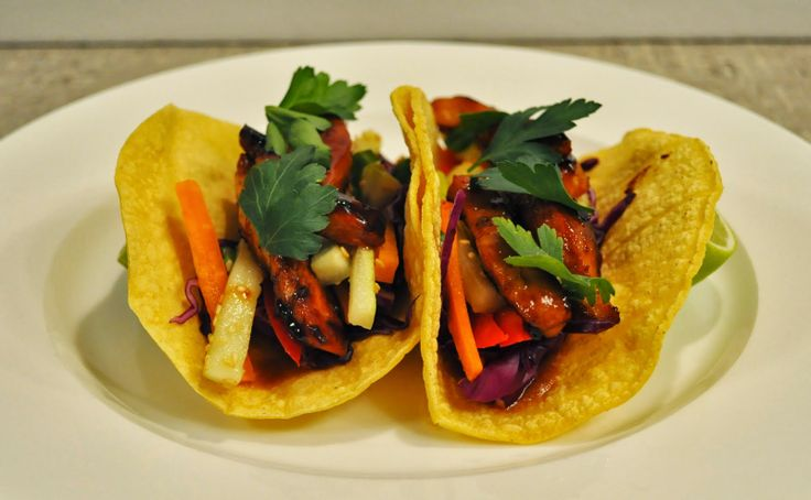 Thai chicken tacos | Din-spiration | Pinterest