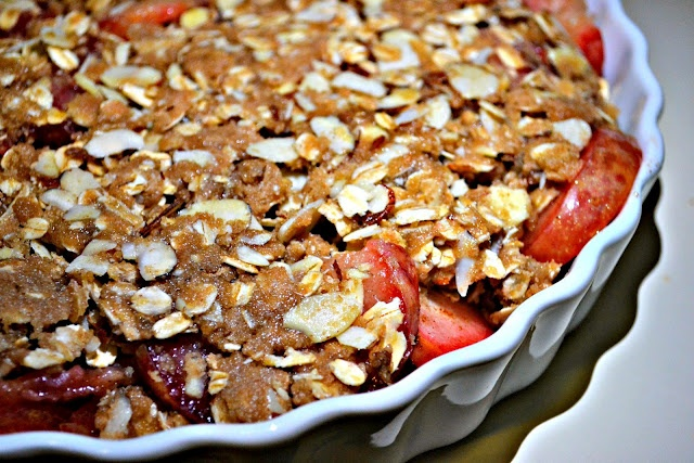 ... : Orange-Scented Plum Crisp with Oatmeal Spelt Topping + GIVEAWAY