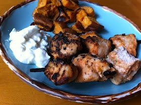 ... Meat and Potatoes Foodie: Buffalo Chicken Kabobs with Blue Cheese Dip