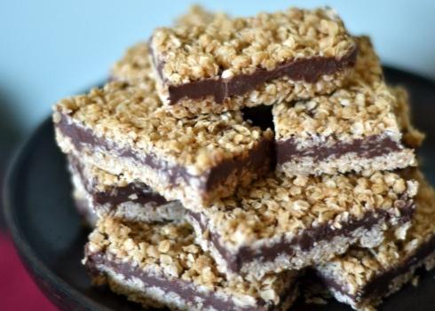 No-Bake Chocolate Peanut Butter Oatmeal Bars - Crazy good!