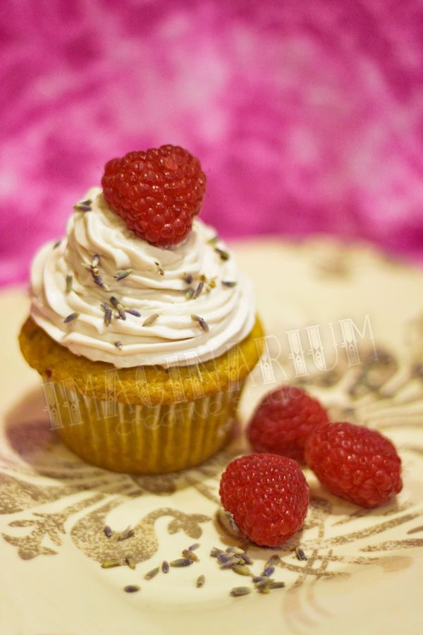 500px / Raspberry Lavender Cupcakes with Chambord Buttercream by Ellen ...