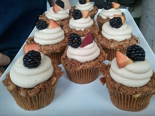 Blackberry and Peach Cupcakes. Gluten free too!!! Looks so yummy!!