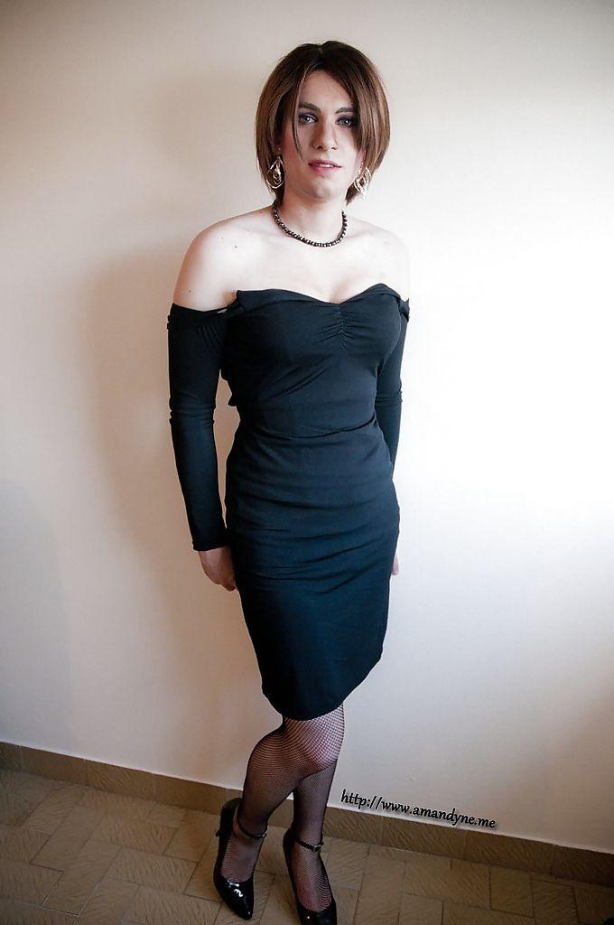 How to Dress Like Emma Ross