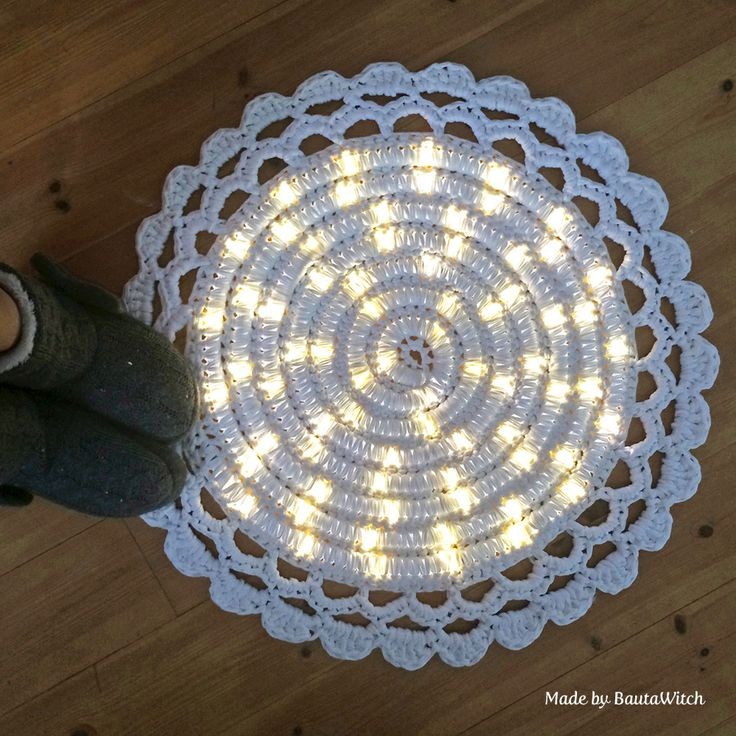 Crochet rug with light made by BautaWitch Crochet rug with light rope ...
