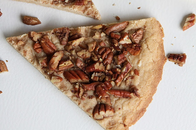 More like this: toasted pecans , shortbread and pecans .