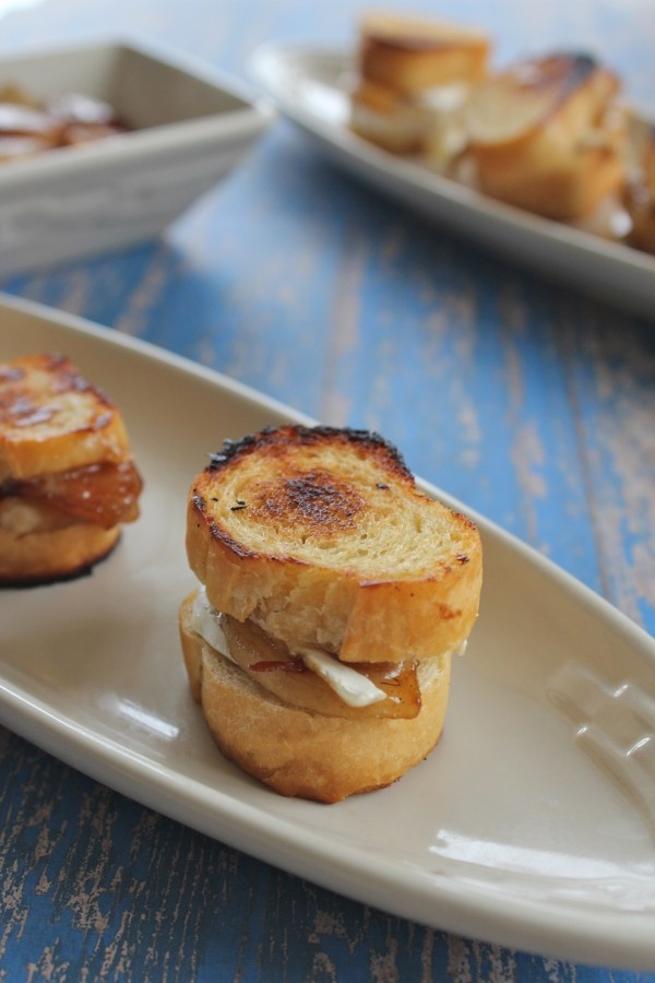 Caramelized Cheese Covered Grilled Cheese Sandwich Recipes ...
