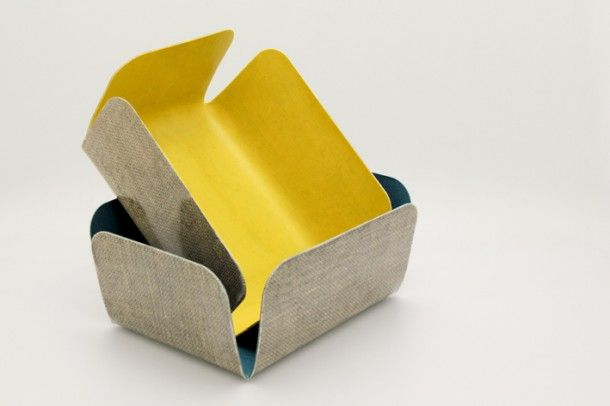 BRIEG - LES M design   Matériau biocomposite biodégradable: lin et PLA (résine de maïs) ///  Développé en partenariat avec ID Composite