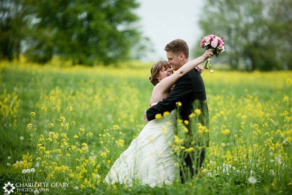 explore outdoor wedding attire