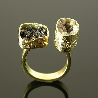 Not terribly crazy about the gold or the diamonds, but the design is crazy-awesome. {Ring | Elaine Cox. 'Duo'.  18k gold, Raw diamonds.}