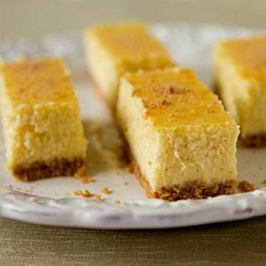 Eggnog cheesecake bars! So perfect | Christmas sugar | Pinterest