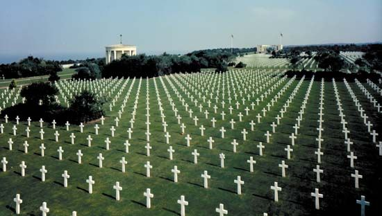 There are 9,386 graves in the American cemetery at Colleville-sur-Mer.  Each grave faces west, toward America.