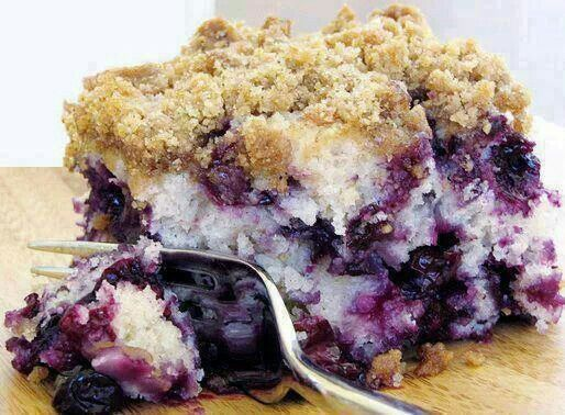 Blueberry crumb cake | Food Inspiration | Pinterest