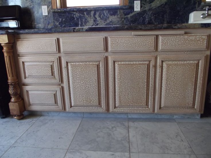 Crackle finish on kitchen cabinets antique paint design for What finish paint for kitchen cabinets