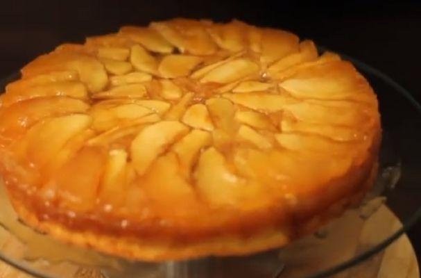 pecan cake warm caramel apple cake martie s caramel apple cake apple ...